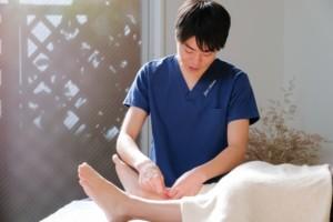 養生スペース あすかた治療院 施術風景 鍼灸